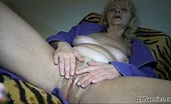 Nasty Mature Slut Gets Horny Rubbing