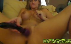Sex webcam show - Blonde making good with her vibro toy