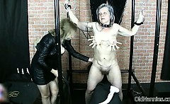 Old Sexy Nanny Is Rubbed By Horny Woman